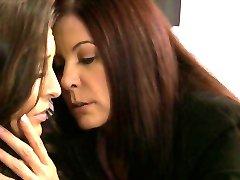 Lesbian Ljubitelje 5: Spolna Reawakening