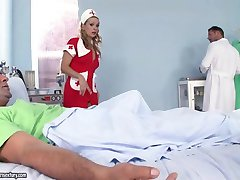 Piękna pielęgniarka banie lekarki i pacjenci Anal otwartą penisa