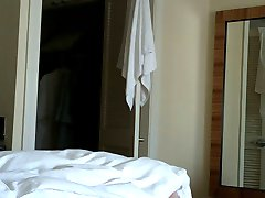 خادمة الفندق فلاش uflashtv.com