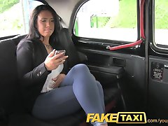 FakeTaxi sisati moj kurac na najviše jaja ili hoda