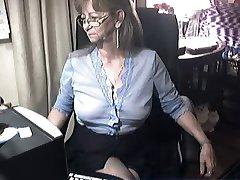 Υπέροχη γιαγιά με γυαλιά 6