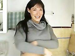 Hot mama jebanje s kuhinjski stalak