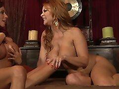 Ариэлла i Janet - Božanski Lezzy seks