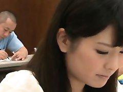 Dziļā stimulācija ar viņas vētraina skolotājs