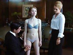 性感的艾米莉*布朗宁的胸罩&内裤Cameltoe