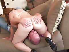 Teen pussy is filled with cock as Chubby Leenuh Rae gets some sexercising done