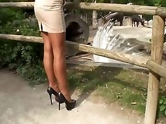 LGH - Tamia mit Nylons und High High-heeled Shoes Pumps im