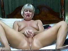 Hot Blonde Mature on webcam 2