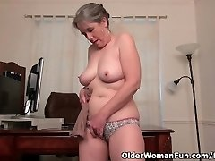 Old secretary Kelli strips off and fingers her hairy fuckbox