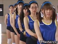 एशियाई बास्केटबाल खिलाड़ियों से अधिक कर रहे हैं 6