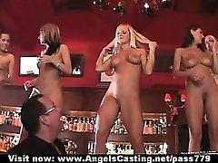Amatieru seksa orģija ar karstu meitenes kļūst cumshot uz sejas un dejas