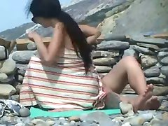 Nude Beach - Couples gets spotted by a Voyeur