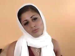 पाकिस्तान से लड़कियाँ