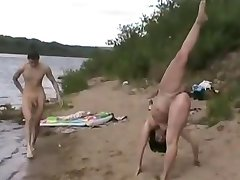 Nudistična Plaža - Gymnast - Največja Izpostavljenost