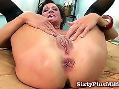 परिपक्व शौकिया गुदा सेक्स प्यार करता है