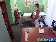 FakeHospital热纹身患者的治愈硬的阴茎治疗