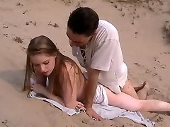 Amatieru anālais sekss pludmalē