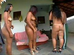 бразильский милф тела выглядят так чертовски гладким и сливочным