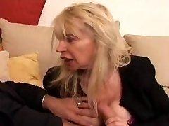 FRANČU NOBRIEDIS n40 blondīne neglīts mammas vieille salope