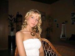 Sladko nemški blond kurba žena cuckold za hubby