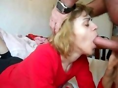 mommy in mouth-fuck n cum guzzle action