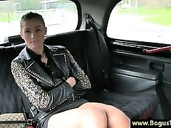 Horny taxi babe fledgling finger-tickled by cabbie