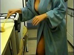 गोरे लोग प्राकृतिक सौंदर्य के साथ बड़े स्तन