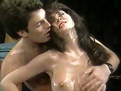 Huge-boobed Wrestling Babes (1986)