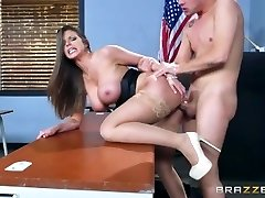 Brazzers - Sumptuous milf Brooklyn Chase instructs her student