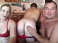एमेच्योर उभयलिंगी सुनहरे बालों वाली फ्री सेक्स वीडियो चैट करने के लिए अच्छा