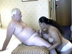 भारतीय महिलाओं के साथ डैडी