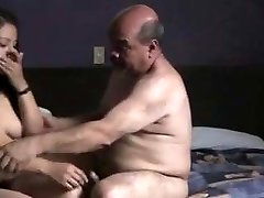 Indian prostitude woman fucked by oldman in motel room.