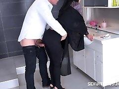 Czech Muslim hoe Freya Dee was surprised in the bathroom.