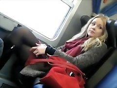 tirkistelijä spioonid armastusväärne tüdruk rongis