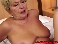 Curvaceous granny pussylicks tight cutie