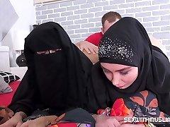 Two muslim tramps
