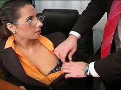 Uber-sexy Daria Glower office fuck is great