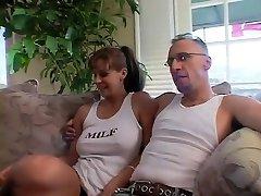 विदेशी पॉर्न स्टार ऐनी में सबसे श्यामला, blowjob सेक्स दृश्य