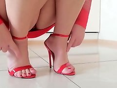 I want your jizz on these sandals!