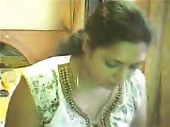 सोनिया कैम पर