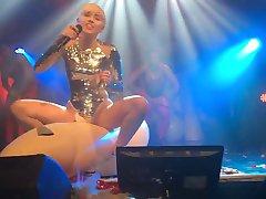 Майли Сайрус - Небеса, Ночной Клуб 2014