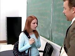 roșcată fată de colegiu devine o de fund