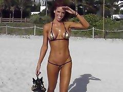 extreme scurt bikini ejaculare pe șir pe plajă