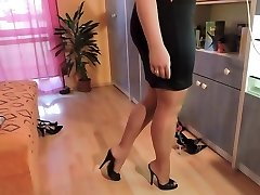 First-timer in nylon stockings and high heel shoes
