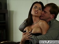 Grubby assistant Franceska Jaimes fucks her chief on his desk - Digital Playground