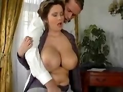 Elegant Mature MILF with Thick Tits Knows How to Fuck