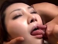 I fuck my tenant's wifey when he go to douche
