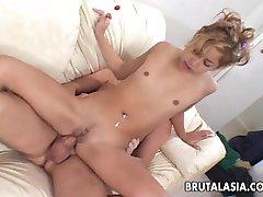 Veľmi horúci, blond bitch užívať ho jej kretén