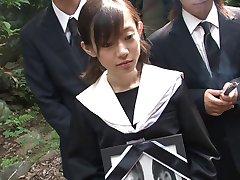 Mladí Japonci mladý miluje semeno v ústach