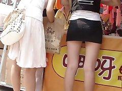 Japonský nákupe svoje topánky